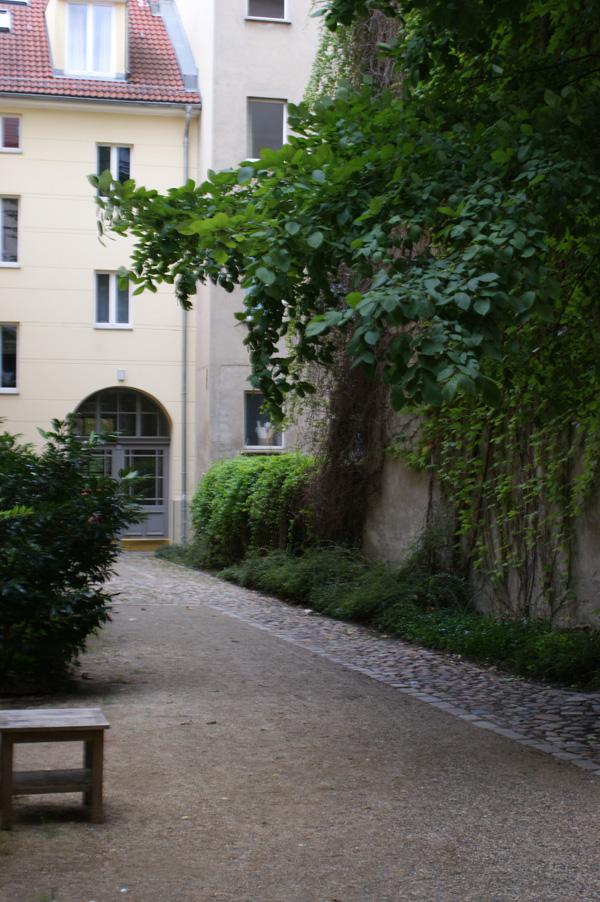 Uhlandstraße 45 Hofansicht